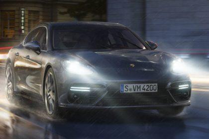 Đèn pha LED bao gồm hệ thống Đèn năng động của Porsche (PDLS)