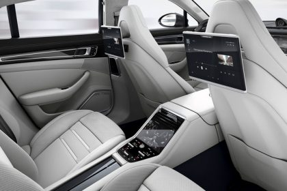 Hệ thống Giải trí hàng ghế sau của Porsche