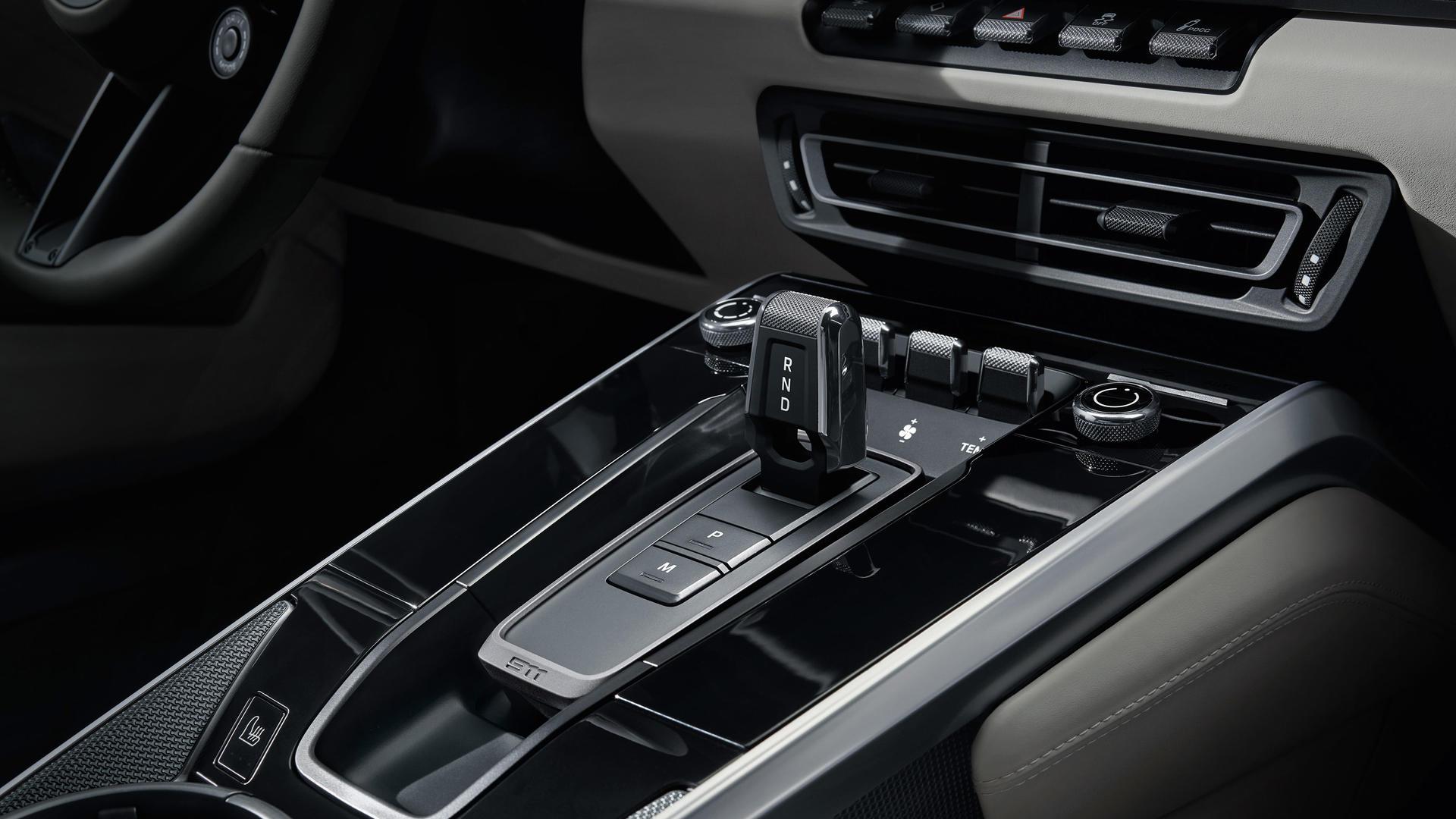 911 Carrera 4S mới