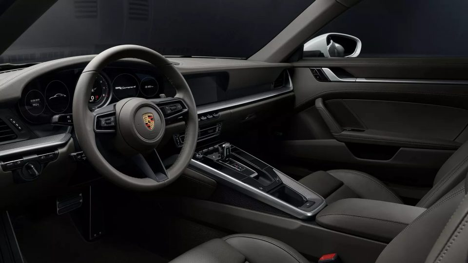 911 Carrera 4