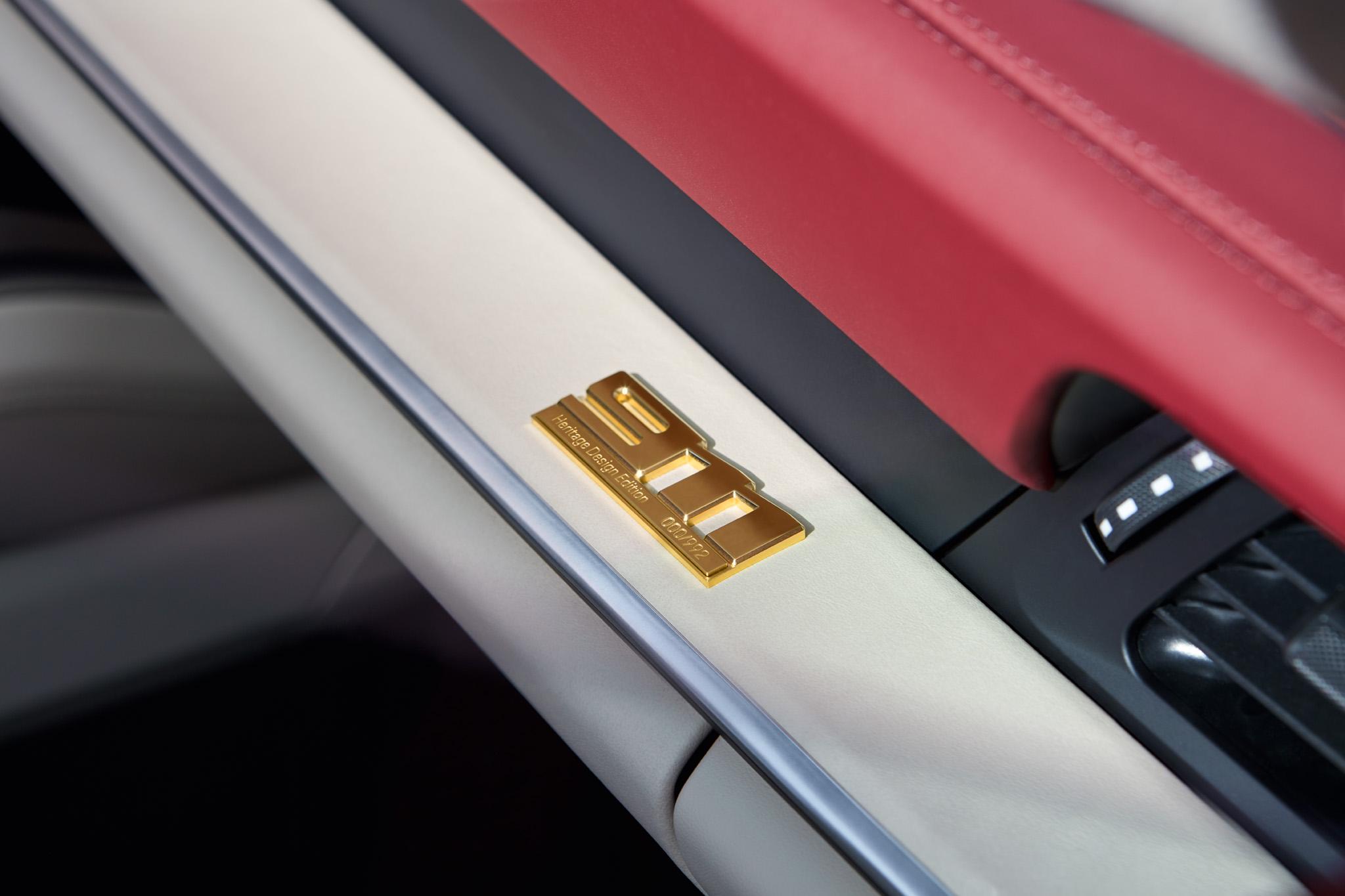 911 Targa 4S Heritage Design Edition